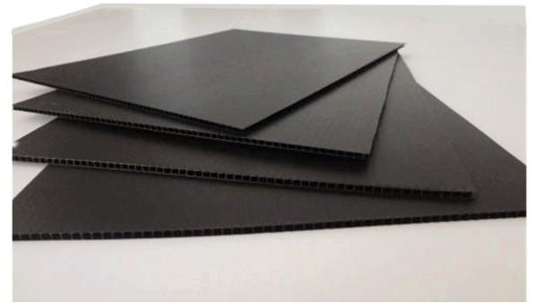 防静电中空板在光伏行业的应用